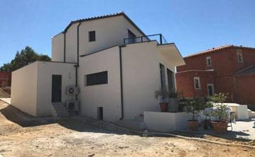 villa saint gely avec piscine et garage